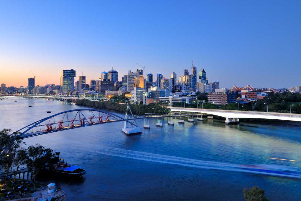 brisbane skyline from the river